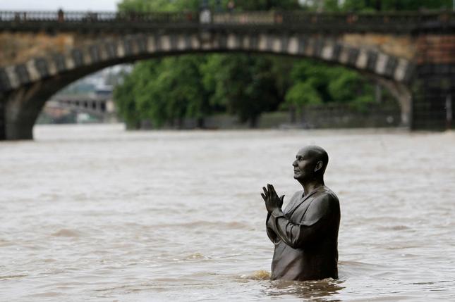 Prague-flooding-2013